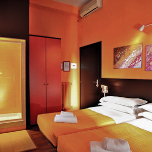 A room at Hotel Colors in Rome