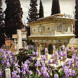 The tomb of Elizabeth Barrett Browning in the Cimitero degli Inglesi (English Cemetery) in Florence. (Photo by Alessandra)