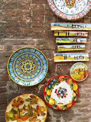 Hand-painted pottery in Siena