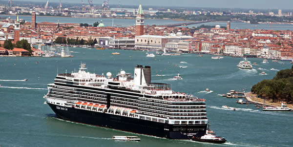A cruise ship arriving in Venice