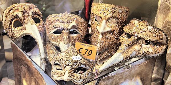 buying carnival masks in venice