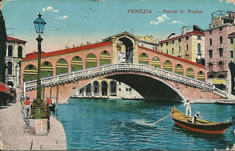 The Rialto Bridge in Venice in 1918